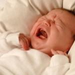 Как лечить колики у младенца