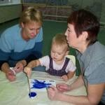 Чем занять малыша до трех лет?