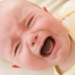 Почему малыш постоянно плачет?