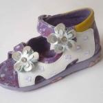 Детская обувь: какая и сколько?