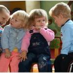 Учим ребенка общаться с другими детьми
