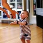 Учим ребенка ходить самостоятельно