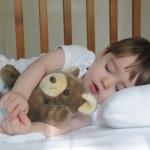 Как можно уложить ребенка спать?
